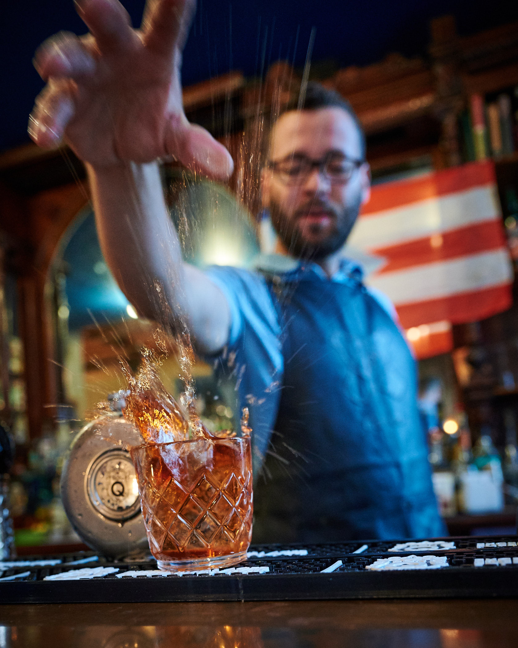 La Factoria Ice Cube Drop into Negroni
